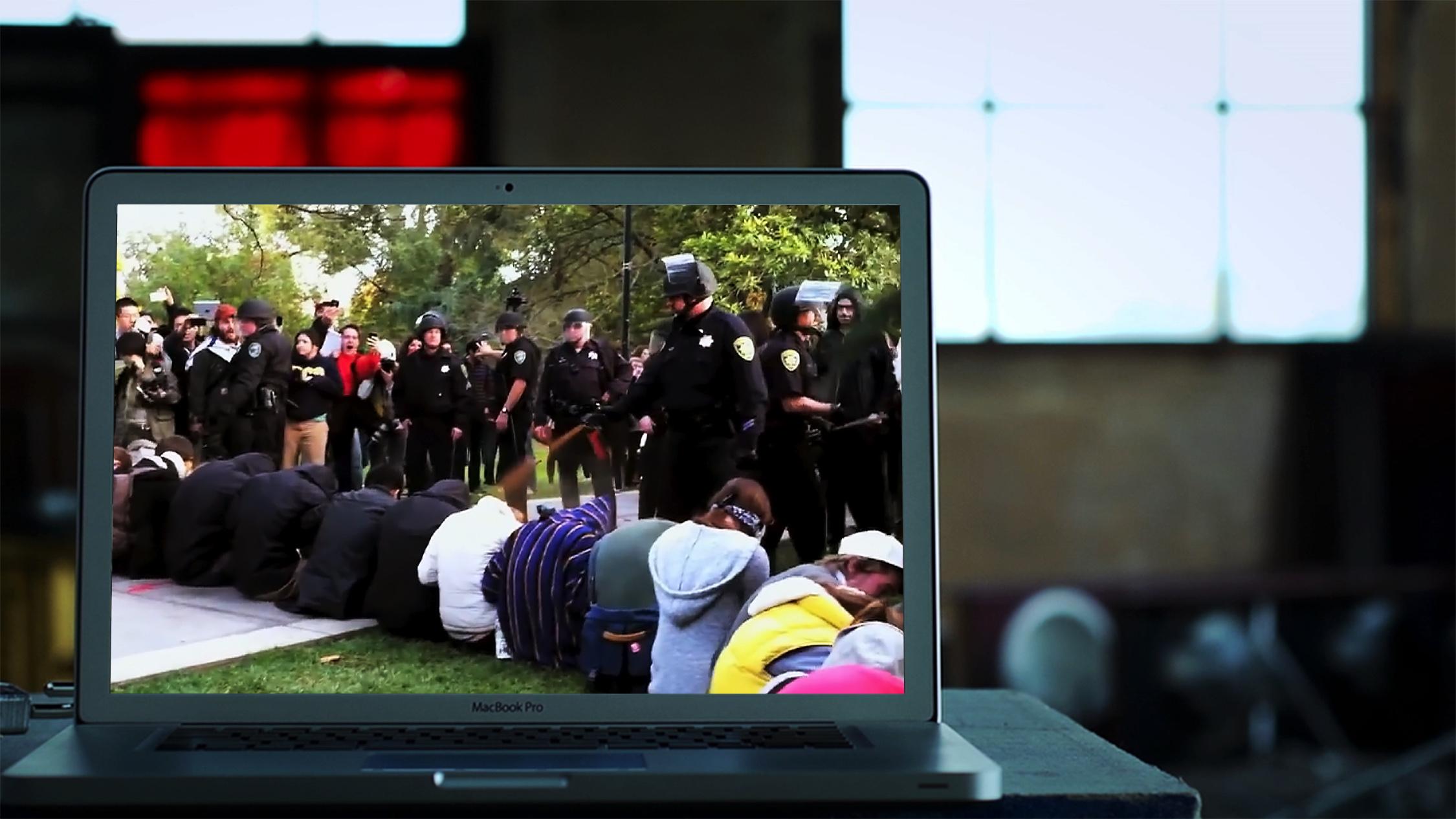 킬스위치: 인터넷 전쟁의 스틸사진